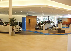 Reggiani illumina lo showroom BMW di Fairfield