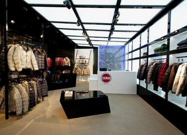 super popular 5cae0 b00da COLMAR STORE BERLINO | Design & Contract