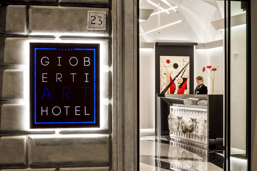 Gioberti art hotel design contract for Art hotel design