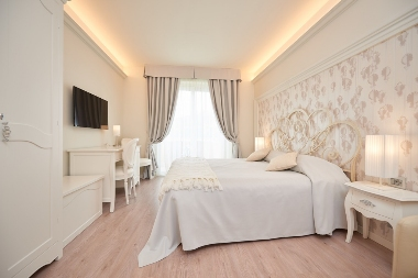 THEME SUITES CONSOLINI HOTELS